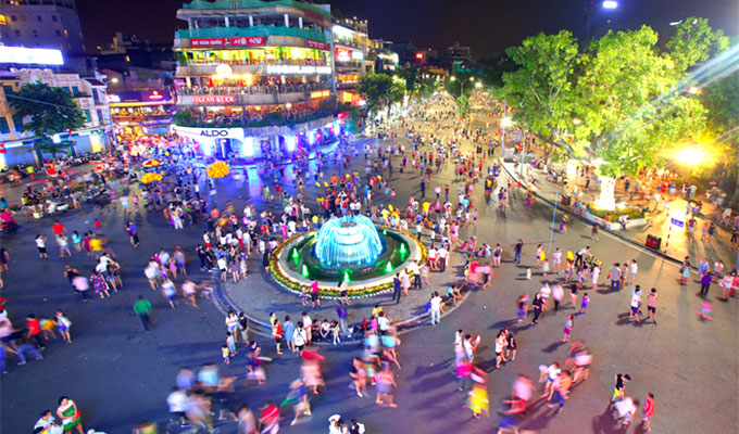 Ha Noi opens two more pedestrian streets