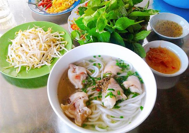 Trang Bang rice noodle soup