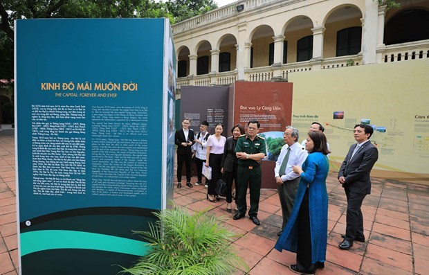 Exhibition on 1010th anniversary of Thang Long – Hanoi underway in capital city