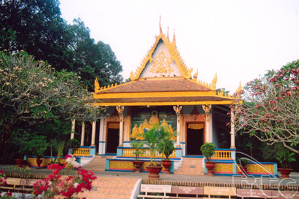 Typical architecture of Khmer pagodas